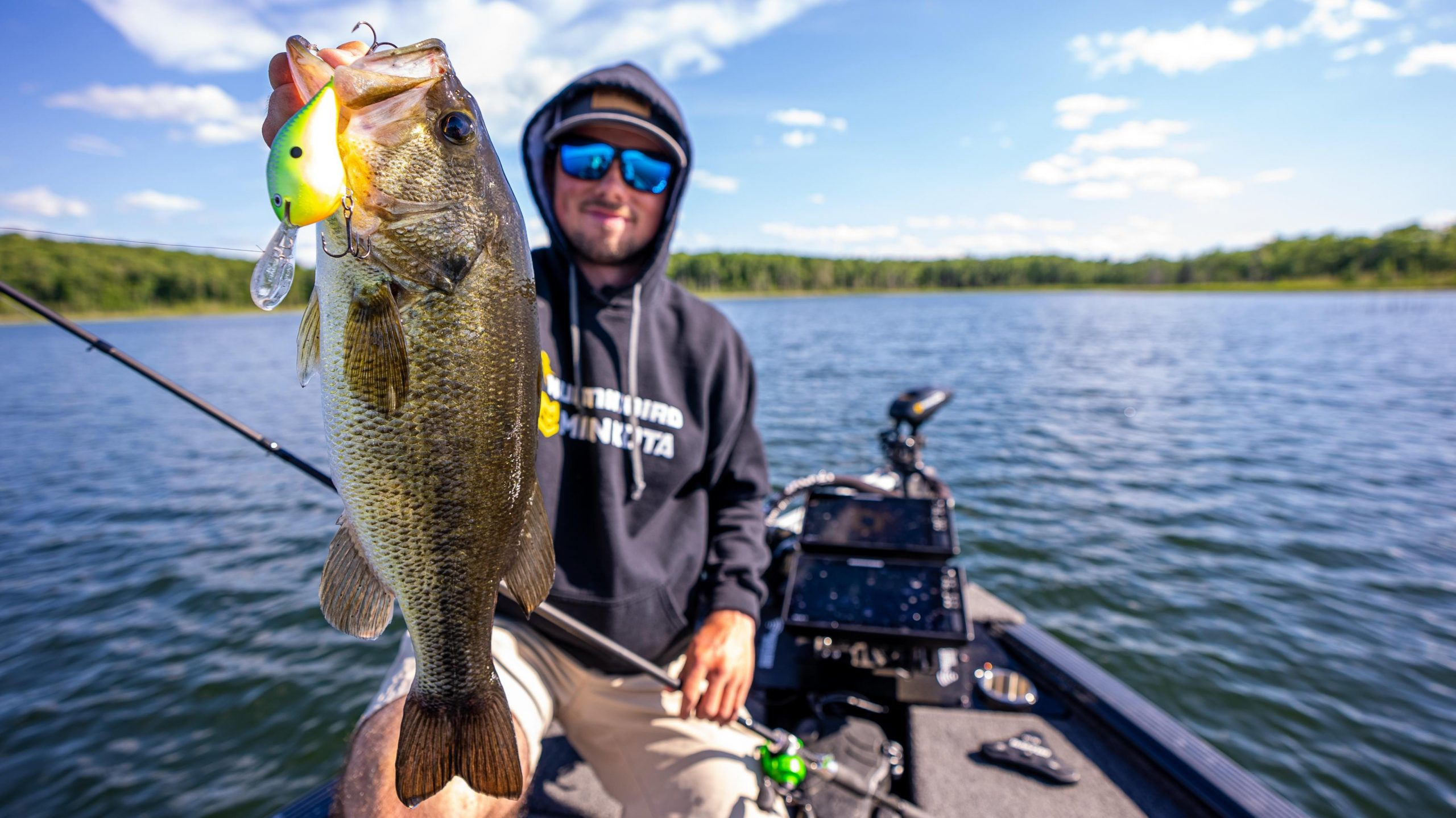 5 Tips to Boost Deep Cranking Success for Summer Bass