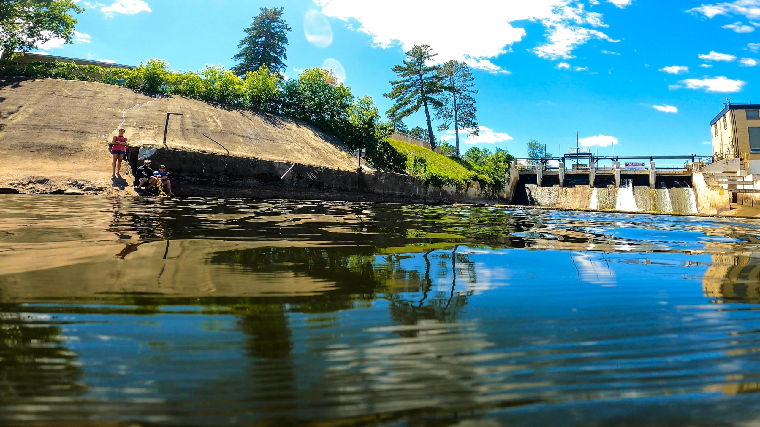 Why Dam Spillways are Excellent Fishing Spots | Underwater Tour