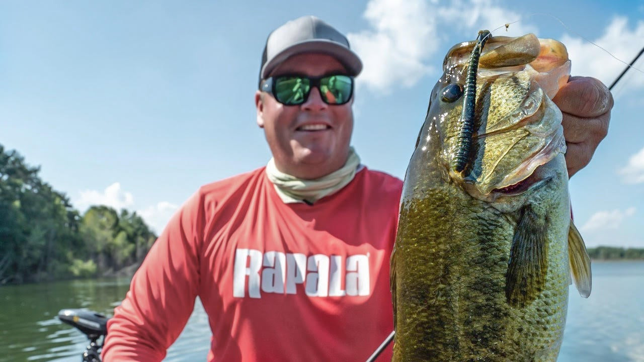 5 Tips for Neko Rigging Worms for Summer Bass